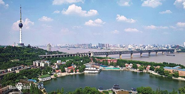 武汉长江大桥.jpg