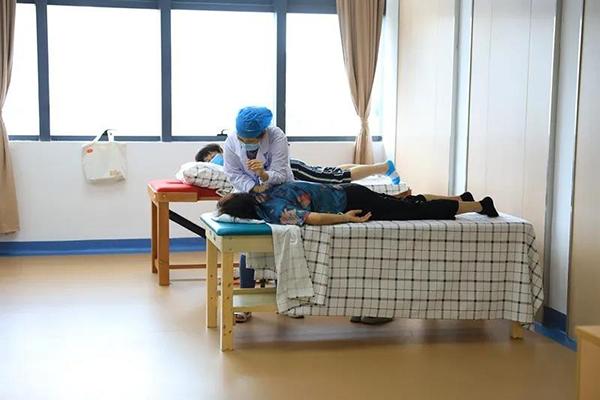 广州首家老年病康复医院,黑科技助推老人精准康复 (3).jpg