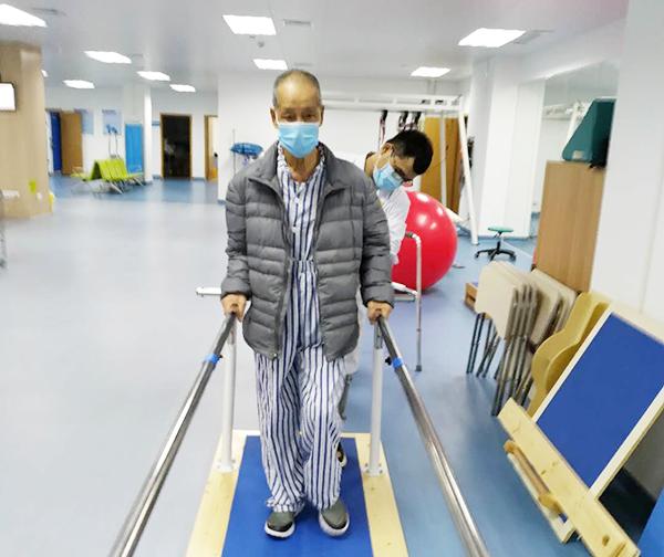 广州首家老年病康复医院,黑科技助推老人精准康复.png