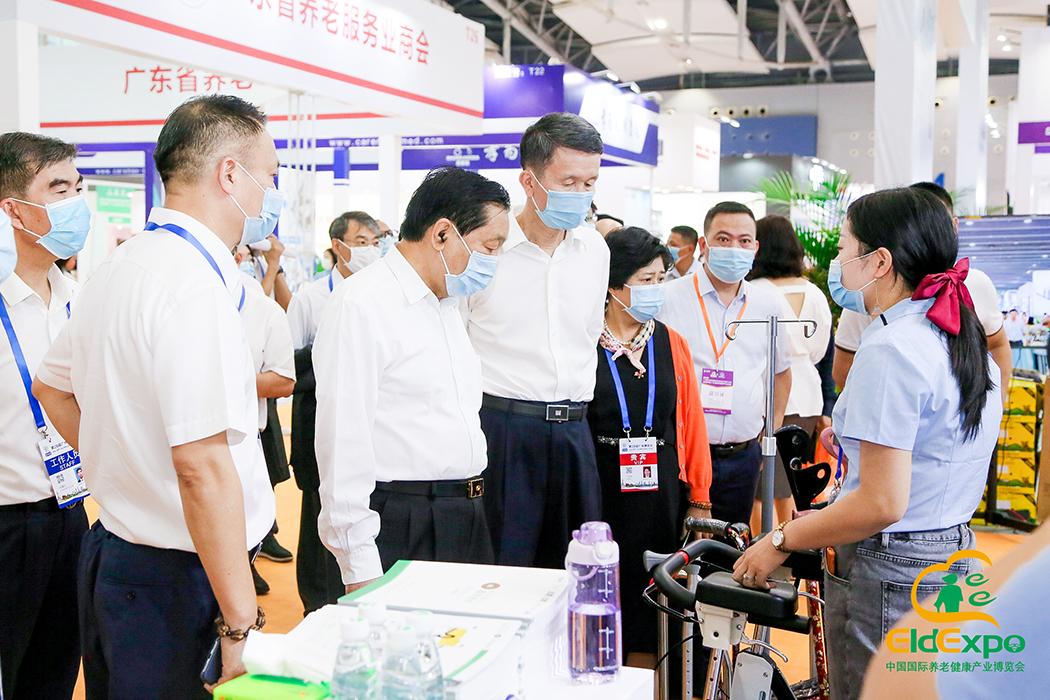 第十二届全国政协副主席齐续春一行巡视2020广州老博会
